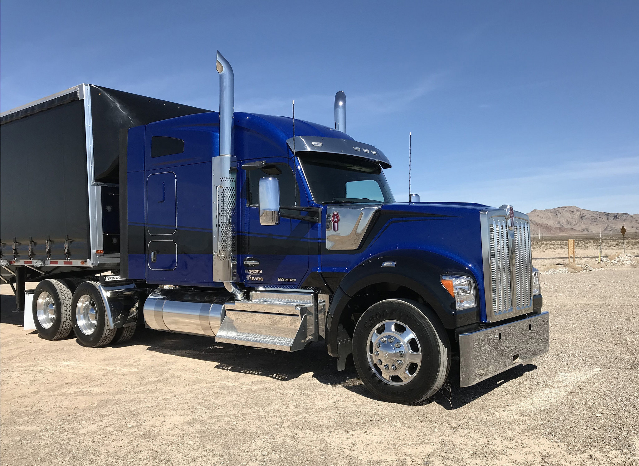 Kenworth Introduces New Vehicle Electronics for T680, T880