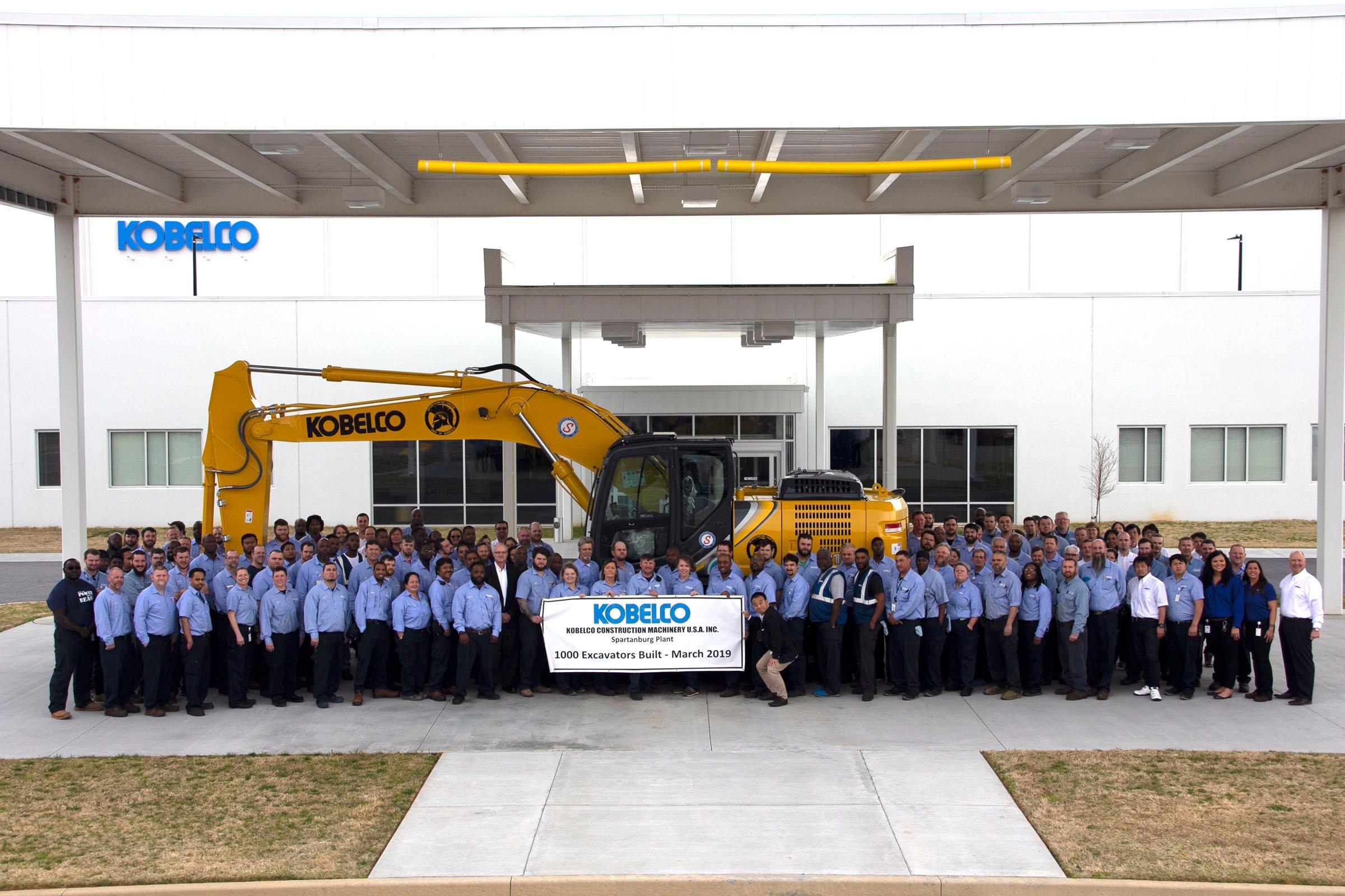 KOBELCO Celebrates Production Of 1000th Excavator At USA