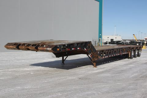 2007 Doepker 50 Ton Tri-Neck Fixed Roll Tri-Axle Scissorneck