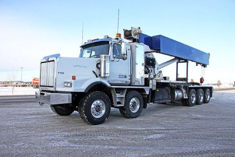 2008 Western Star 4900SA 40 Ton Weldco Day Cab Twin Steer Tri-Drive Picker Truck